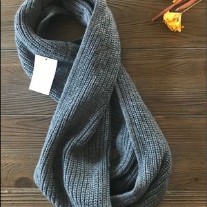 H&M Infinity Gray Knit Winter Scarf NWT New